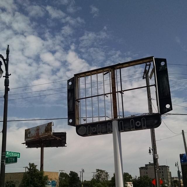 detroit-empty-signs